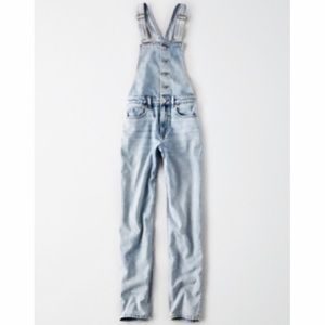 American Eagle Light Wash Mom Overalls